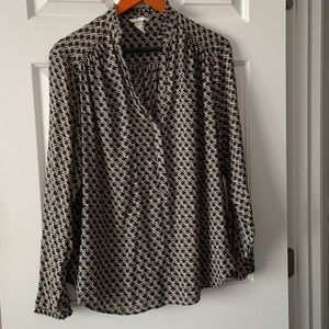 Black and Tan chain link patterned blouse